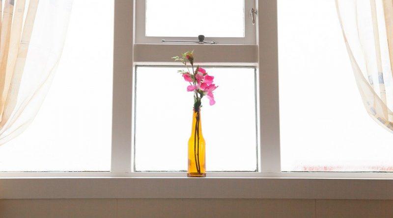Jak garnýže a záclony začlenit do interiéru?