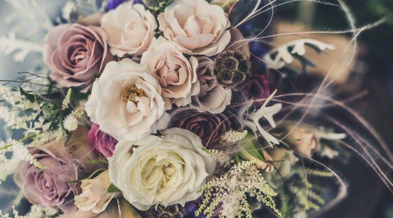 Vybíráme svatební květiny